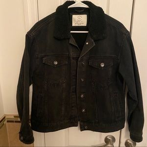 BLACK JEAN JACKET WITH SHERPA COLLAR
